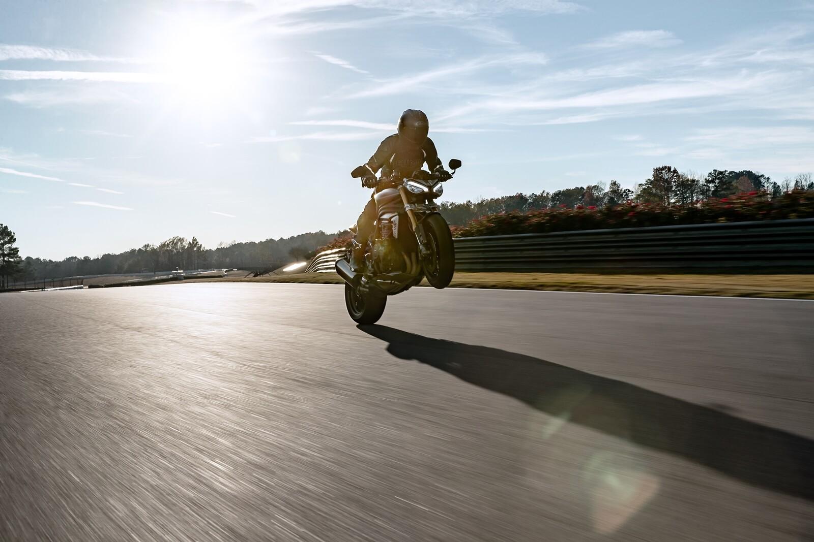 Foto de Triumph Speed Triple 1200 RS 2021 (23/71)