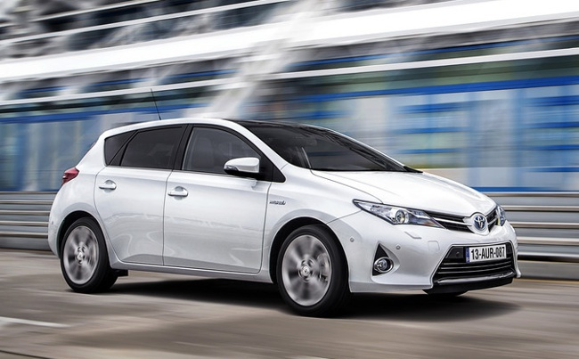 Toyota Auris Híbrido 2013 027