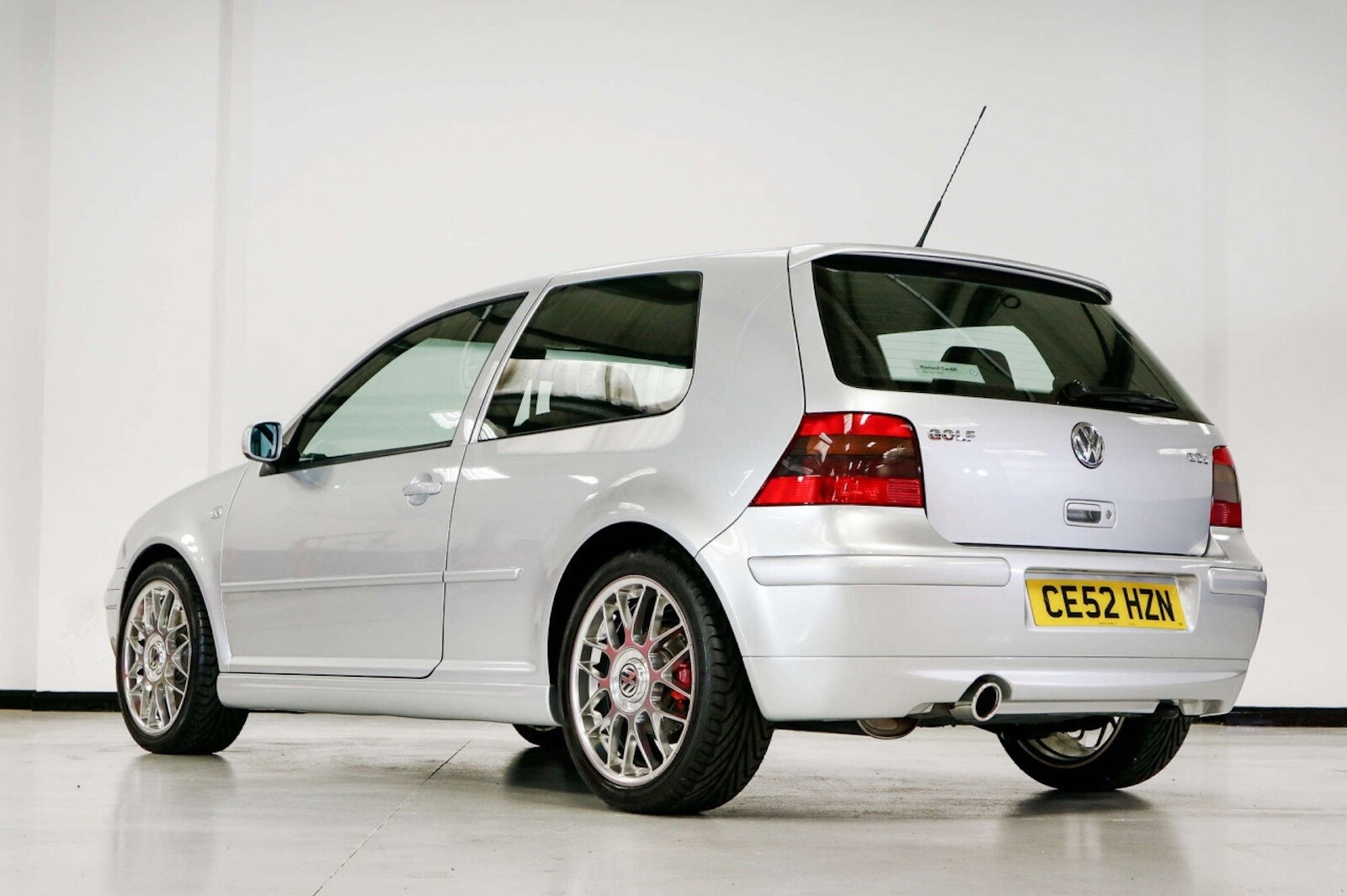 Foto de Volkswagen GTI MK4 25 aniversario a subasta (4/20)
