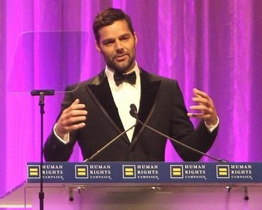 Ricky Martin, con gemelos, y ya quiere ir a por el tercero... ¿por qué no me adoptas a mí?