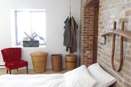 grapple-clothing-hook-bedroom-jeans_grande.jpg