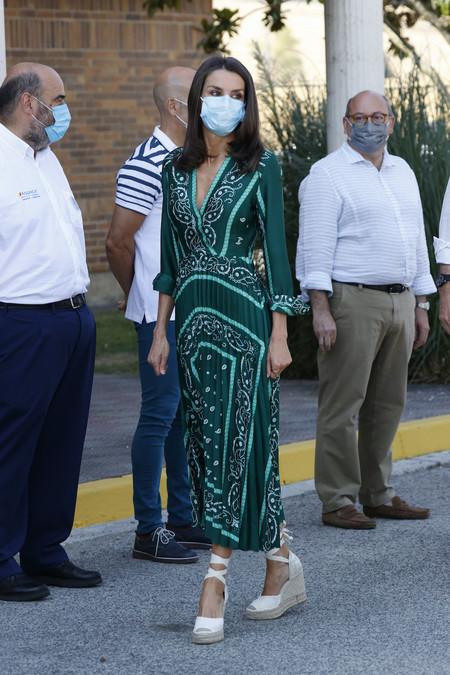 Letizia Ortiz Look Bandana 02