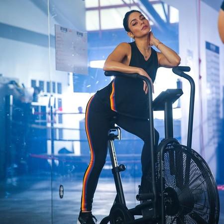 Yoga y Soulcycle, la combinación con la que Vanessa Hudgens entrena casi todos los días y que se ha convertido en su terapia