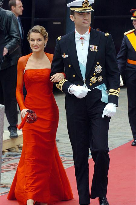 Reina Letizia Ortiz Boda De Federico Y Mary De Dinamarca Vestido Rojo Lorenzo Caprile
