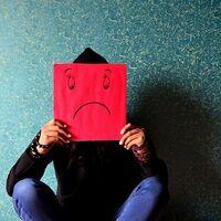 Se estudian los cambios a nivel conductual y lingüístico en los tuits de usuarios con depresión y que toman antidepresivos