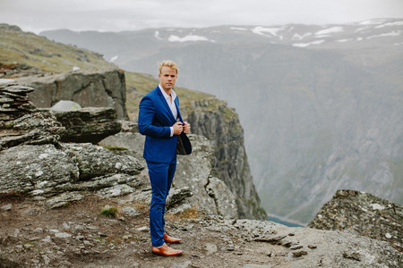 Trolltunga Wedding Session Priscila Valentina 5