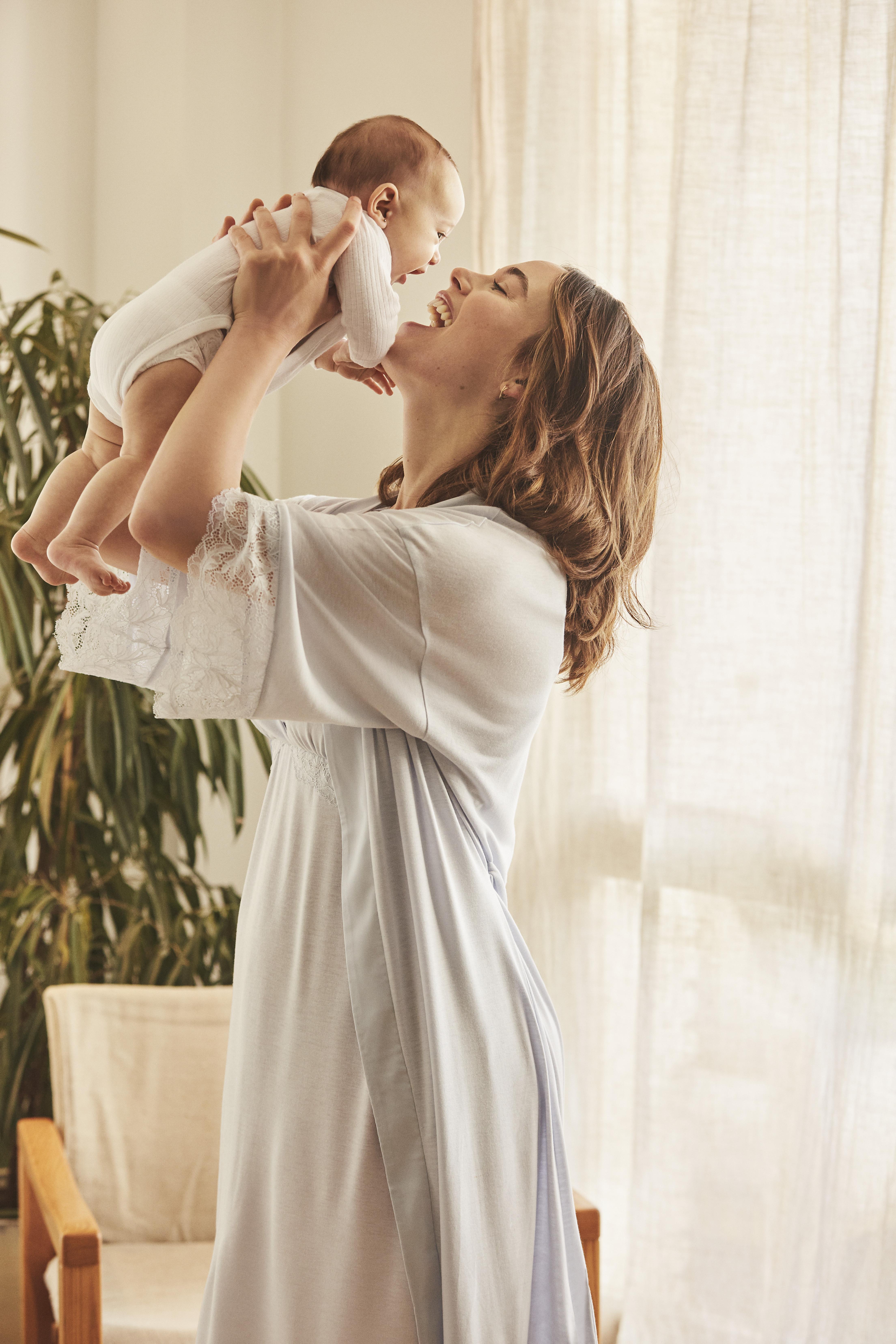 Bata Maternity encaje y volante