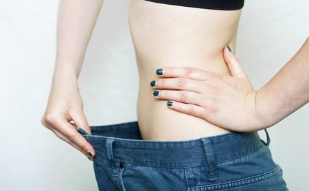 Cómo bajar una talla en dos meses de forma saludable: el entrenamiento en el gimnasio que te ayuda a conseguirlo