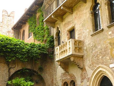 Pon tu nombre en el balcón de Romeo y Julieta