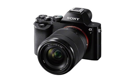 La sin espejo full frame Sony Alpha 7, sólo hoy,en Amazon, por 999 euros con objetivo 28-70mm