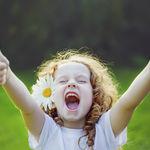 Invertir en las niñas, clave para el desarrollo: Día Internacional de la Niña
