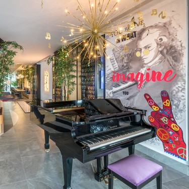 Hotel Barceló Imagine: alucinante fusión decorativa y musical en la pre-party de Eurovisión 2018