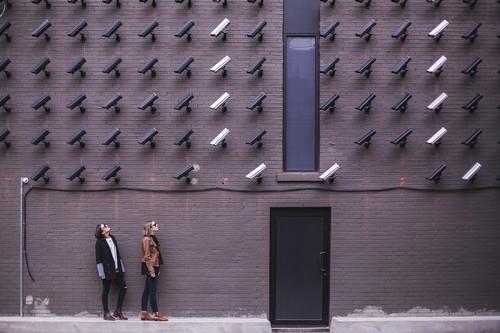 """""""Amazon ha entrado en el negocio de la vigilancia"""": vende tecnología de reconocimiento facial a policías de EEUU"""