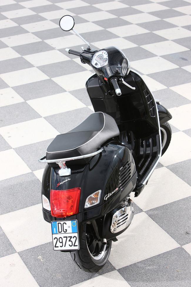 Foto de Vespa GTS 300 Súper (13/63)