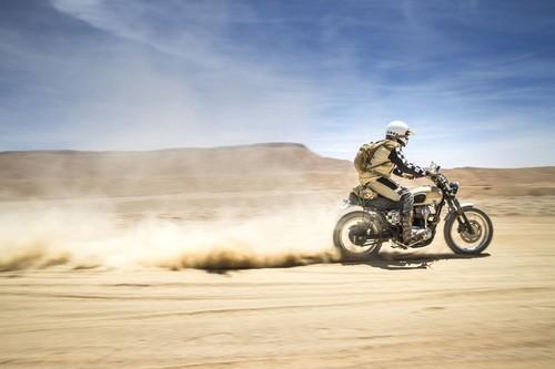 Fuel Catalina GP, la Kawasaki W650 que consiguió ser una auténtica desert sled en la Scram África 2017