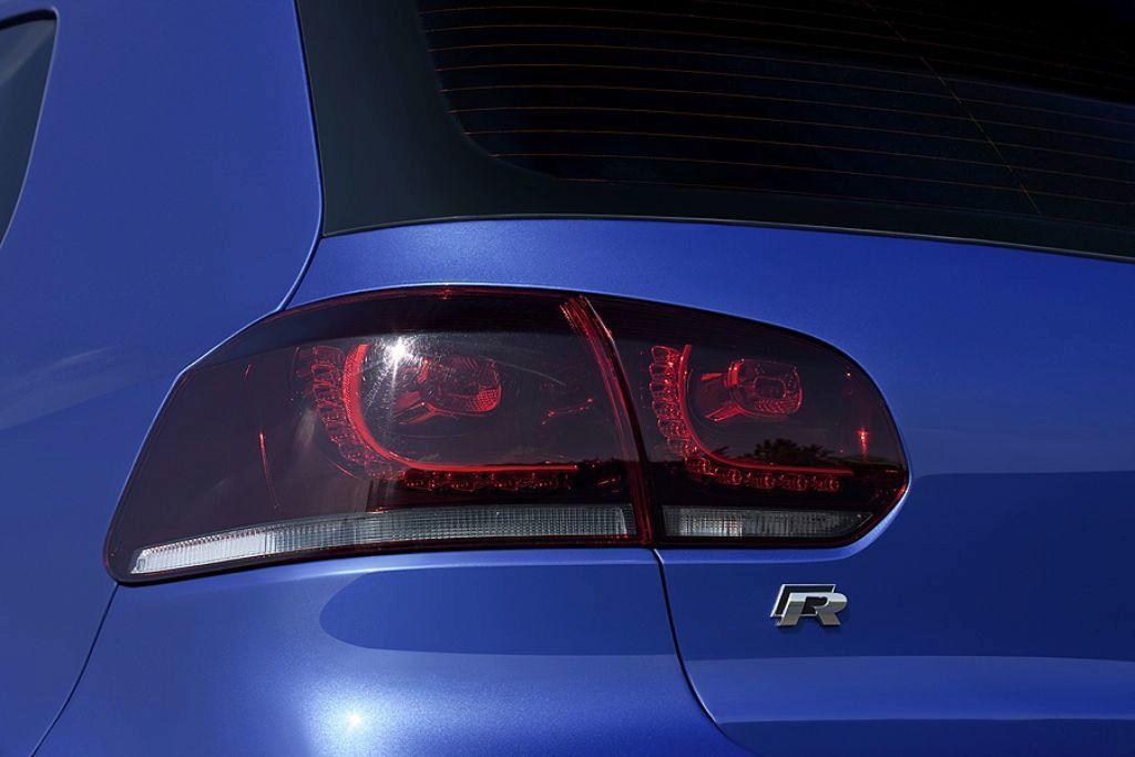 Foto de Volkswagen Golf R (11/16)