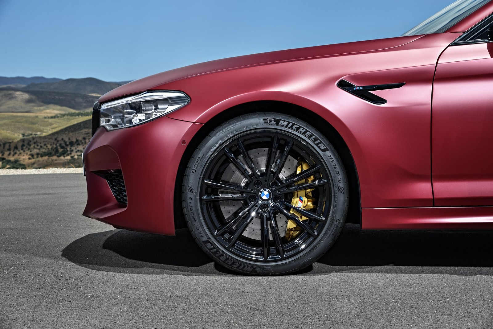 Foto de BMW M5 2018 (40/57)