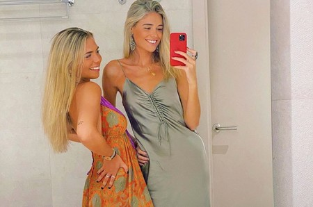 El vestido satinado de Ana Soria que copiaremos este verano gracias a estas tres alternativas low-cost