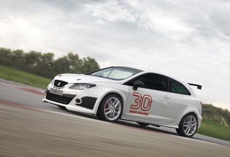 Seat presenta el nuevo Ibiza SC Trofeo