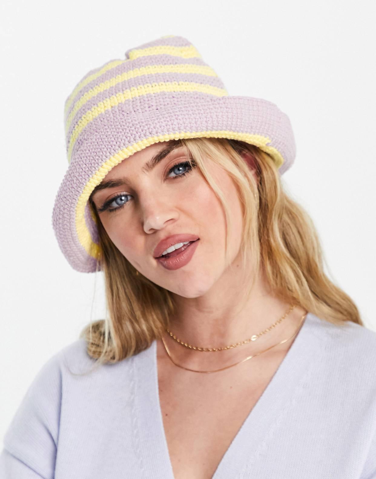 Sombrero de pescador en croché lila