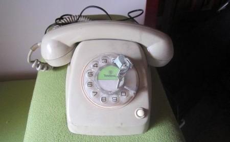 Cuando las llamadas locales eran tan caras que los padres ponían candado en el teléfono