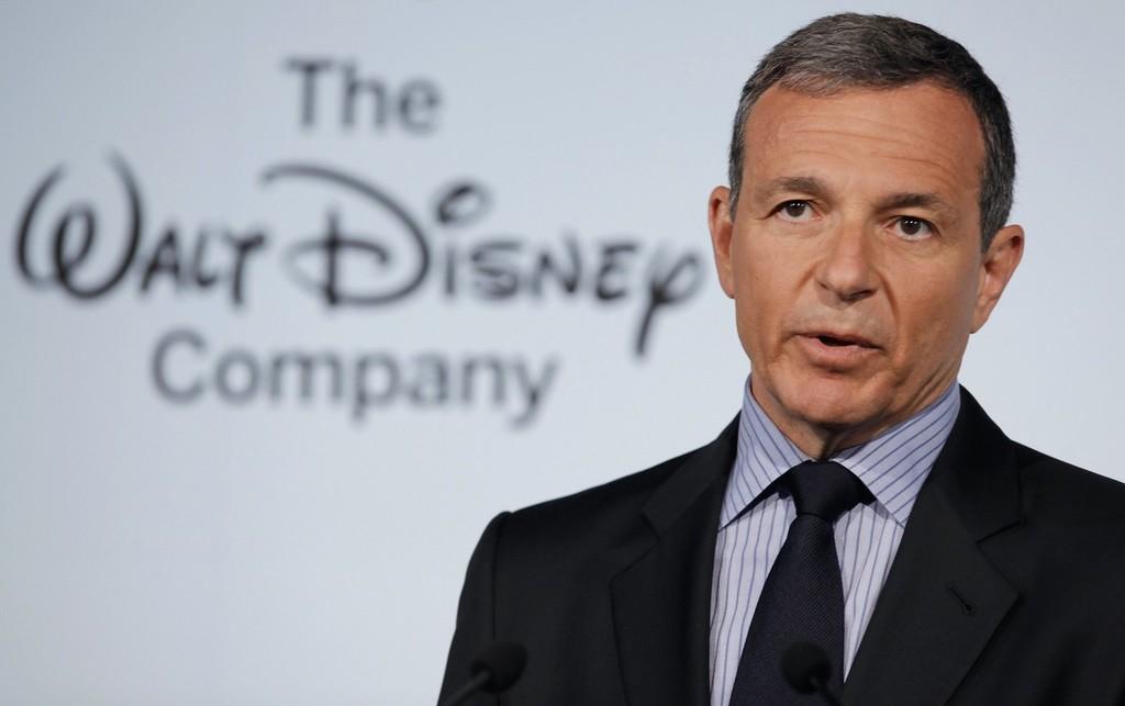 El CEO(Director-Ejecutivo) de Disney℗ continuará en la junta directiva de Apple, a pesar de que ahora compiten directamente
