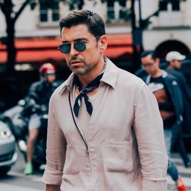 El mejor street-style de la semana adopta el pañuelo como accesorio clave para la temporada