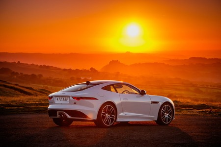 Jaguar F Type Chequered Flag 02