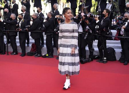 Lyna Khoudri alfombra roja cannes 2021