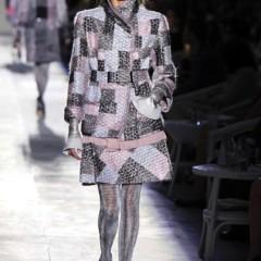 Foto 7 de 61 de la galería chanel-alta-costura-otono-invierno-2012-2013-rosa-gris-brillos-y-nuevo-vintage en Trendencias