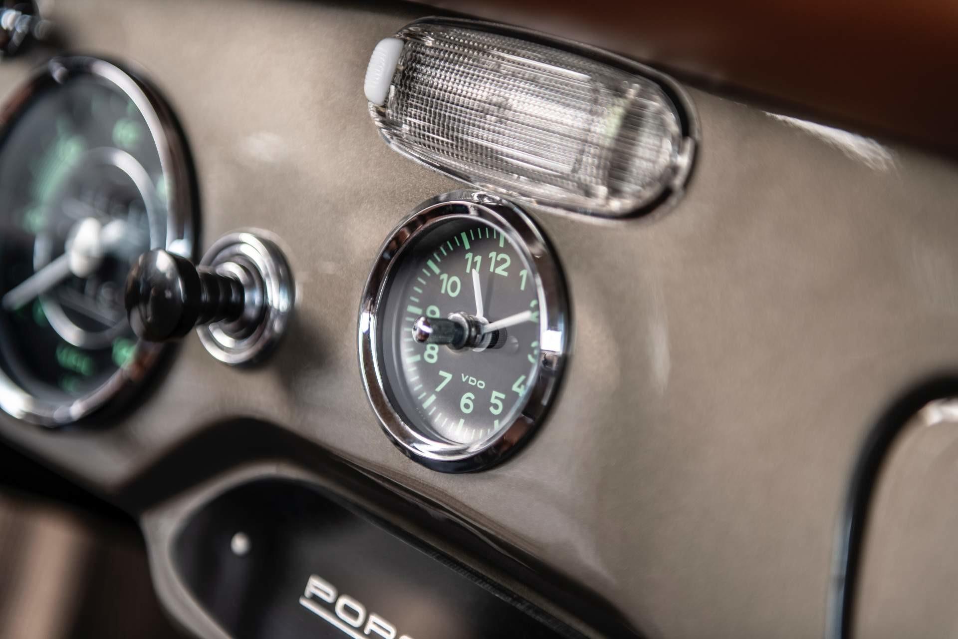 Foto de Emory Motorsports Porsche 356 restomod (38/46)