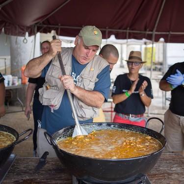 La ONG del chef José Andrés desembarca en España para combatir la crisis alimentaria que genera el coronavirus