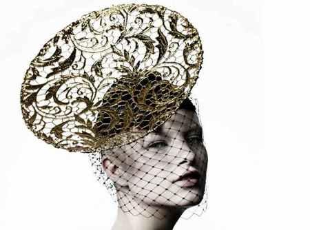Suzy O´Rourke, alta costura futurista en la cabeza