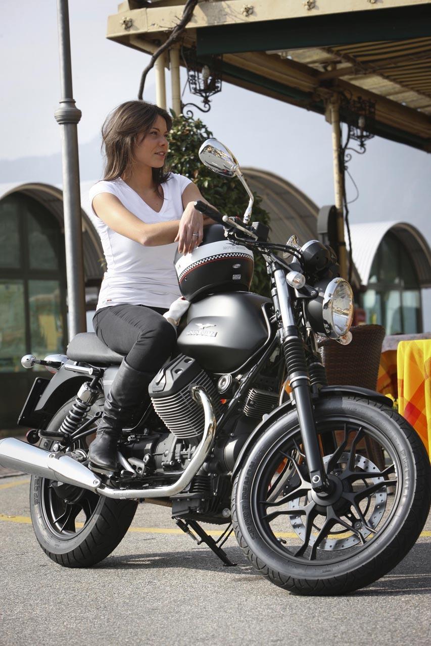 Foto de Moto Guzzi V7 Stone (40/57)