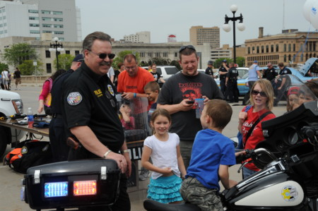 Police Week May 15 2010 On Court Avenue Bridge Des Moines Iowa Usa 1
