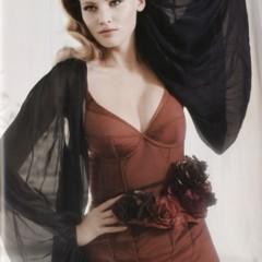 Foto 5 de 10 de la galería lara-stone-es-la-mujer-del-ano-para-vogue-uk en Trendencias
