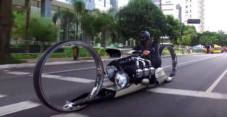 Moto 02