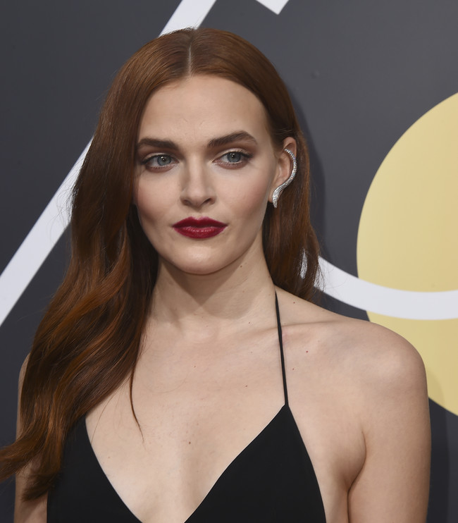 mejores looks beauty globos de oro 2018 Madeline Brewer
