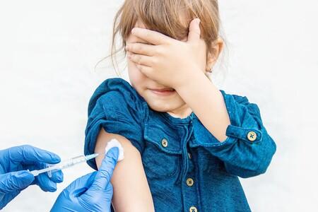 La vacuna contra COVID de AstraZeneca se probará en niños, no porque se enfermen gravemente, sino para que regresen a clases