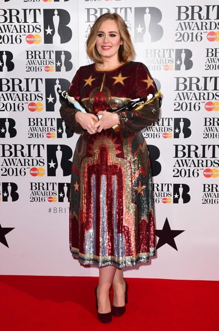 Adele Brit Awards 2016 Alfombra Roja 2