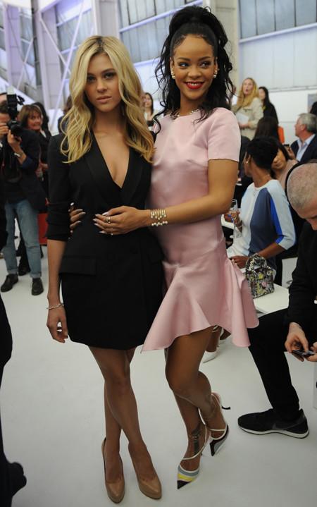 Nicola Peltz y Rihanna, BFF