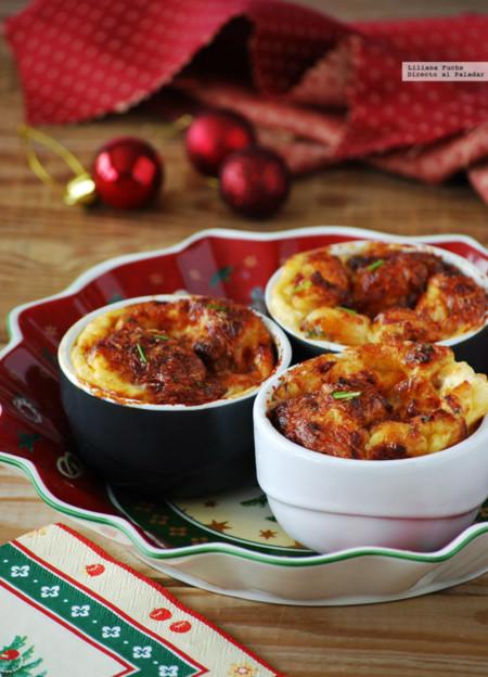 Recetas para toda la familia: soufflé de queso emmental con jamón ibérico, mantecados de almendra y más delicias navideñas
