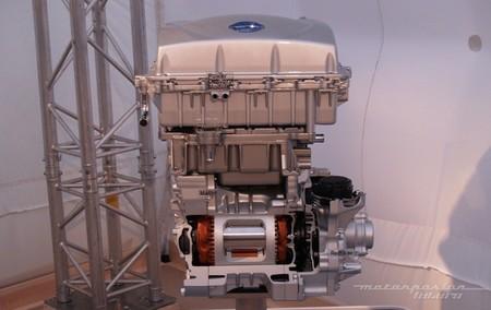 Nissan LEAF 2013 conjunto motor-cargador 01