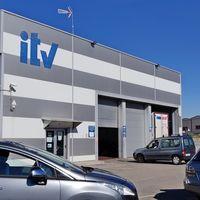 Nueva prórroga para las ITV: si tu coche debía pasarla en verano, podrás circular sin miedo a una multa hasta el 31 de agosto