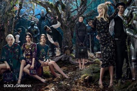 Claudia Schiffer moda Dolce Gabbana invierno 2014