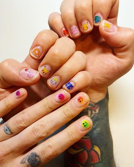 Fedez causa sensación con sus últimas manicuras (y demuestra que el nail art también es para los hombres)