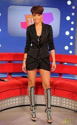 Rihanna también se apunta a las gladiadoras (de Balenciaga)