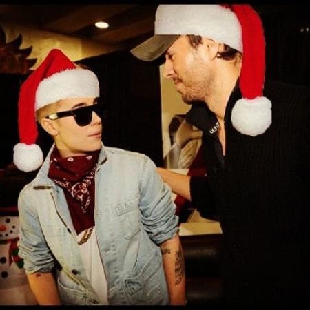 Enrique Iglesias y Justin Bieber, Dios los cría y ellos se juntan