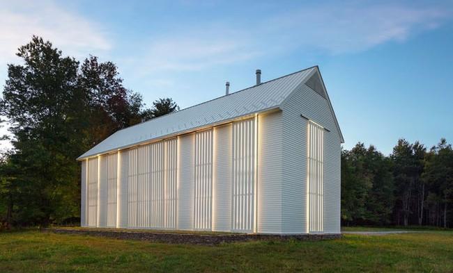 Modern Farmhouse Architecture 251217 855 02 800x1554