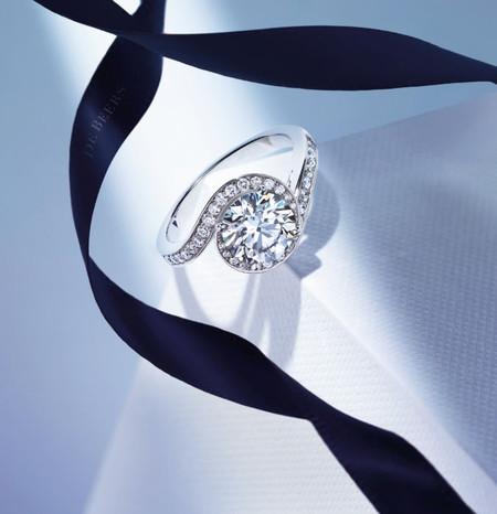 Caress, el nuevo anillo de pedida de De Beers